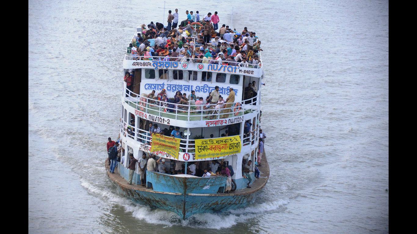 Überladene Fähren, nachlässige Behörden