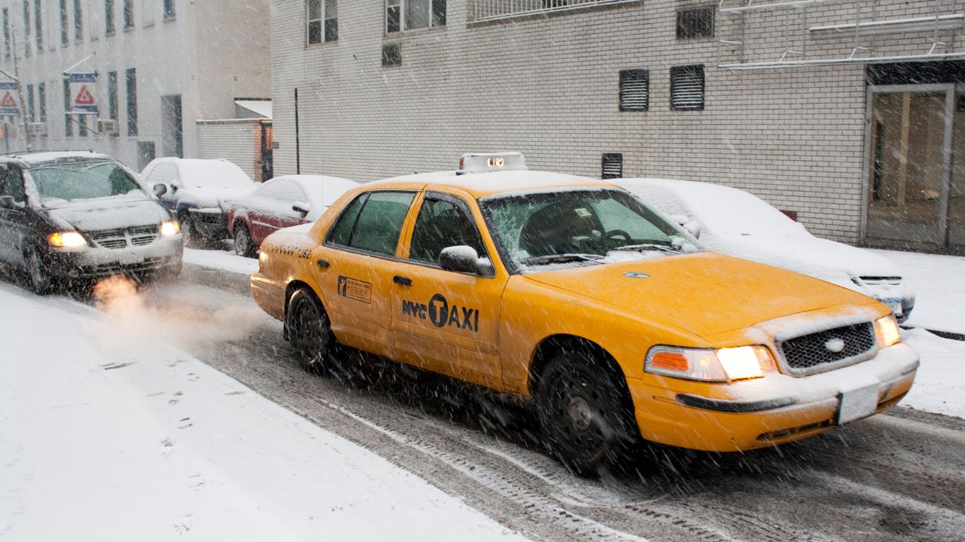 7. Muss der Fahrer den Fahrgast bei allen Wetterbedingungen z.B. Glatteis bis zur Haustür fahren?