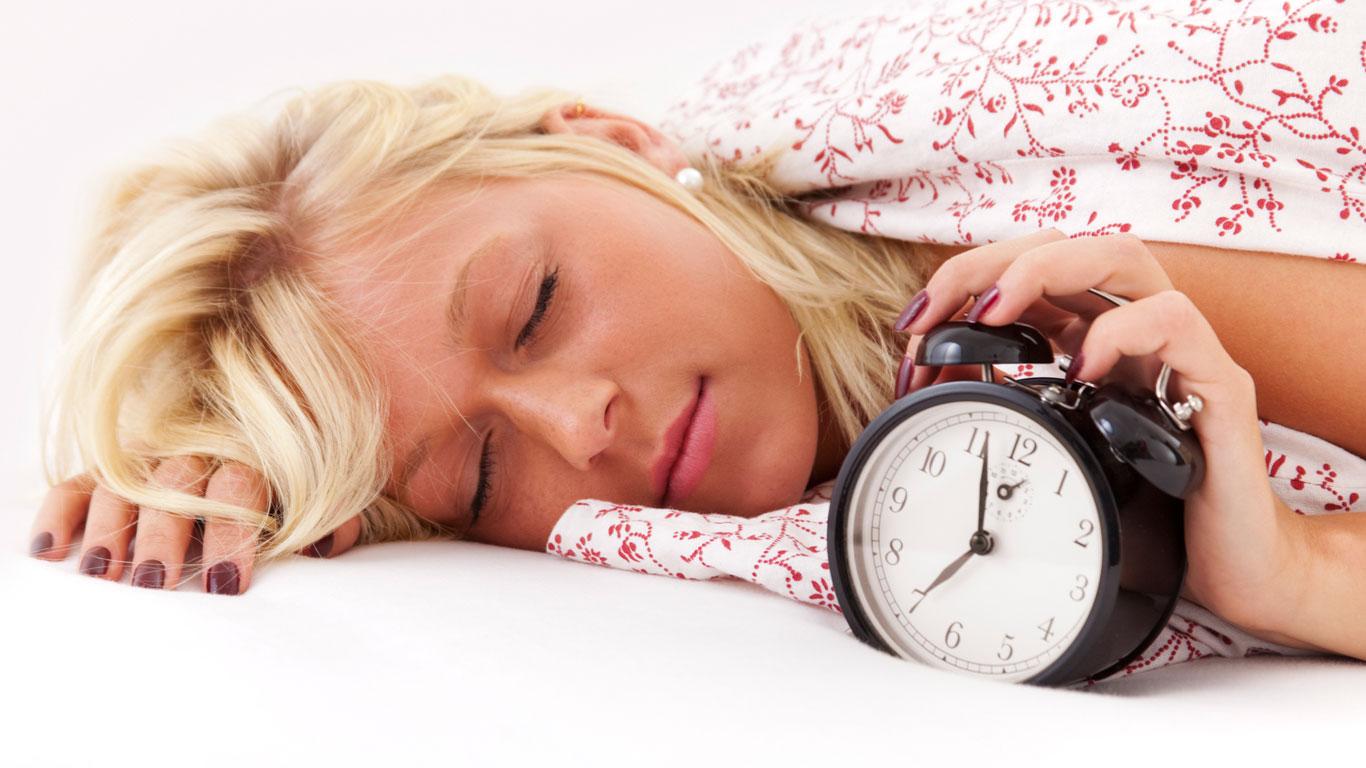 Wieder Verschlafen? So gelingt das Aufstehen in der dunklen Jahreszeit