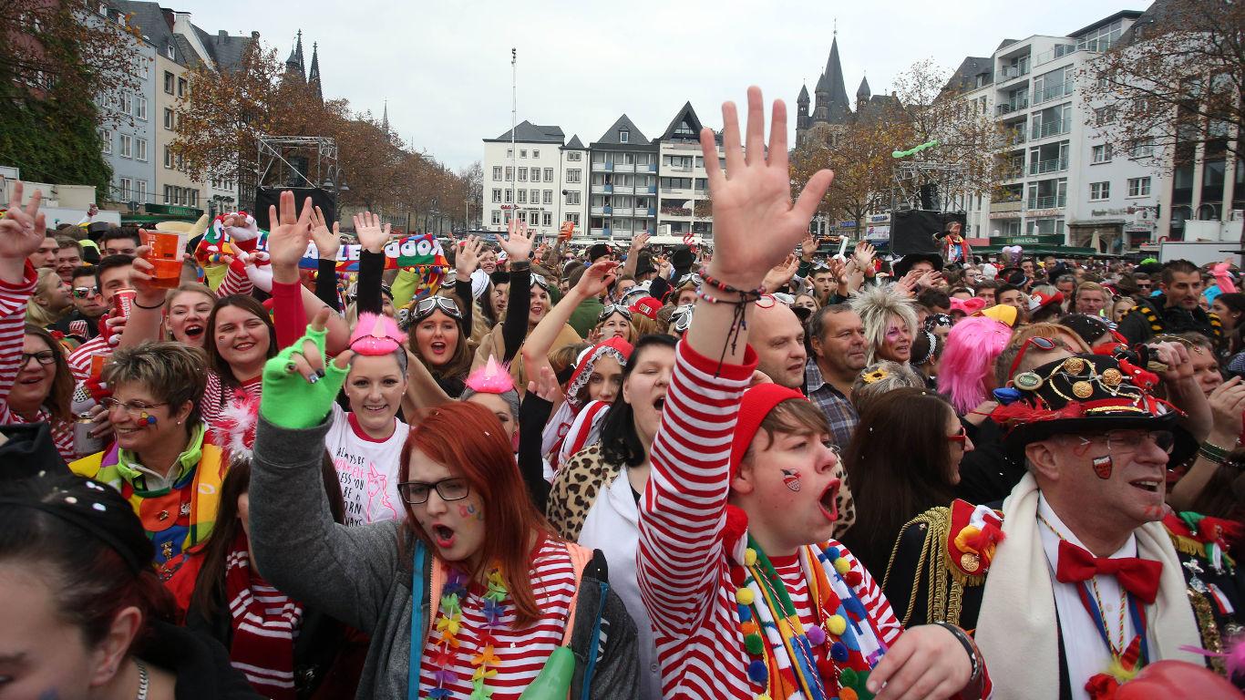Karnevals-Modus am Boden und in der Luft