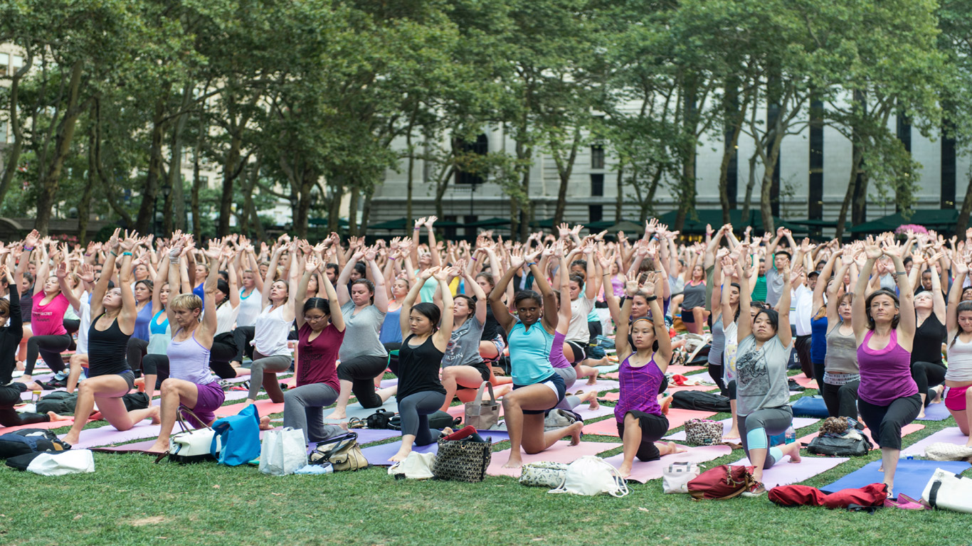 Gemeinsames Meditieren im Central Park
