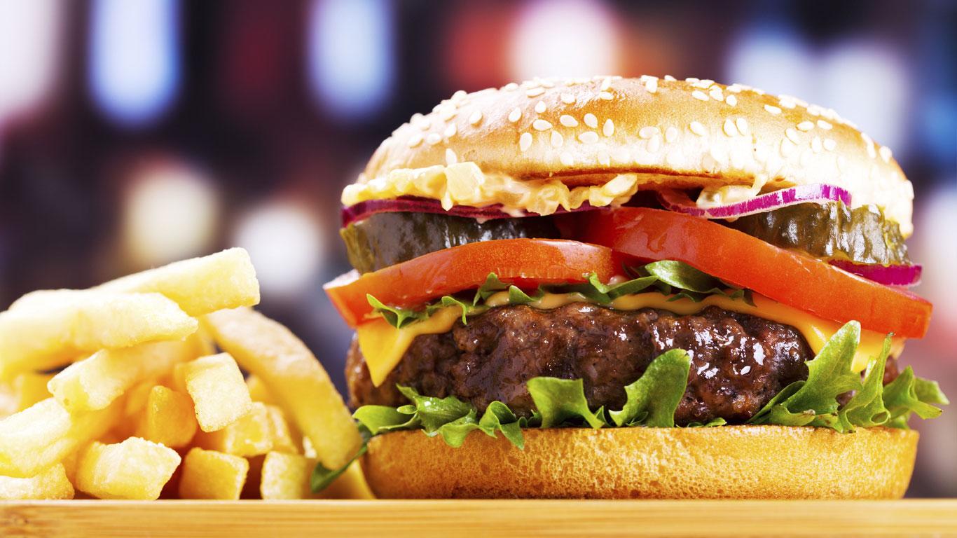 Hamburger, Pommes