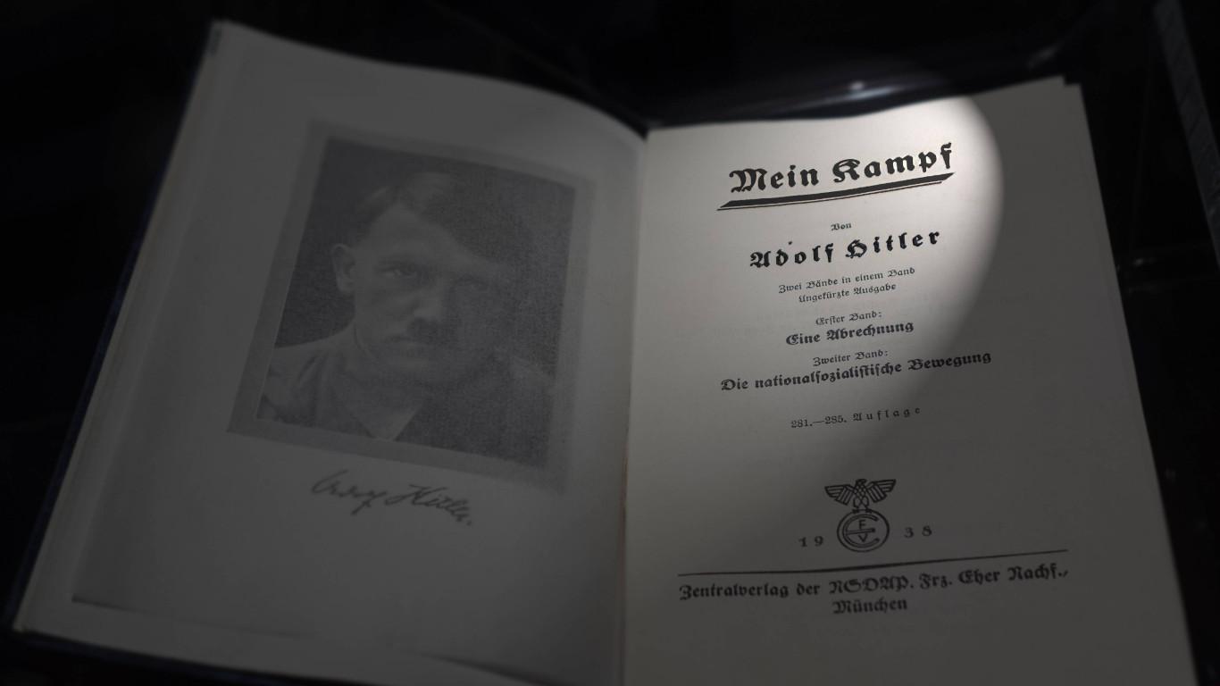 """Der """"Führer"""" und """"Germania"""""""