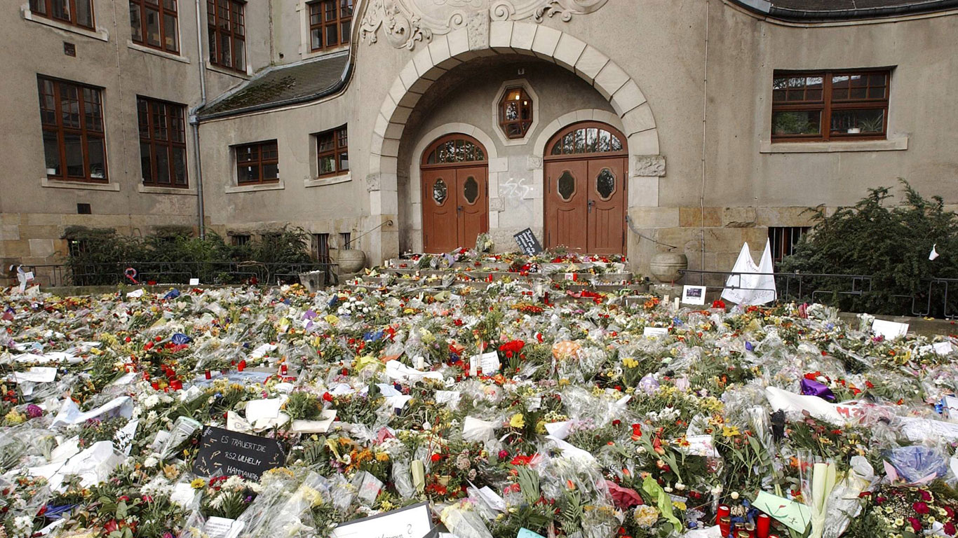 26. April 2002: Gutenberg-Gymnasium in Erfurt