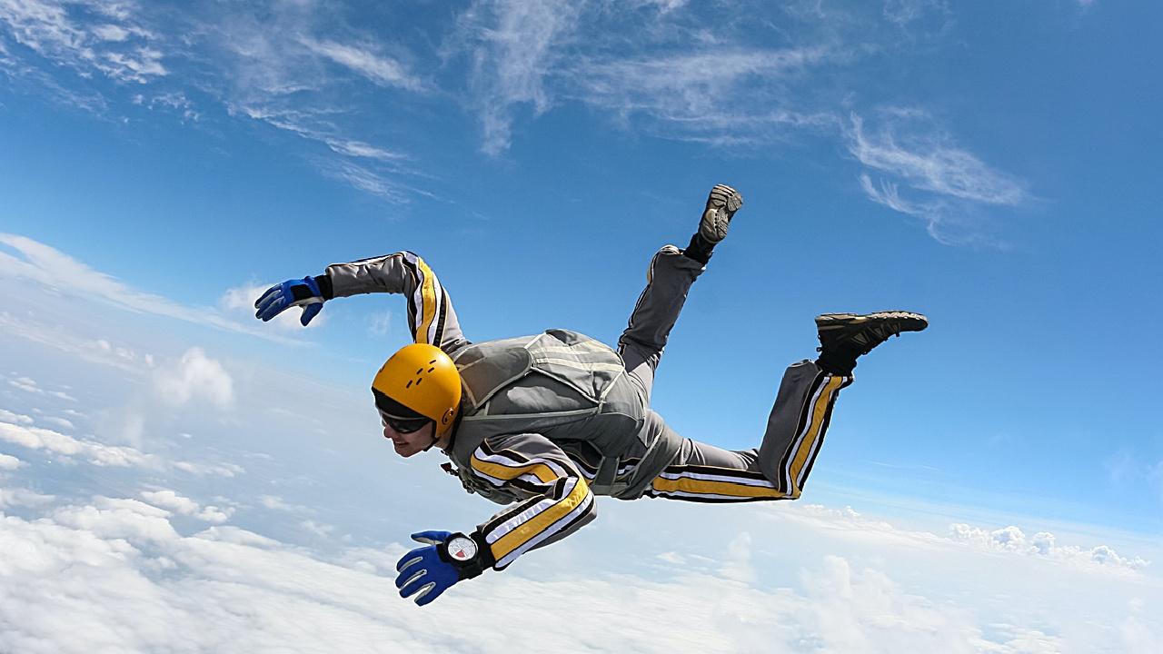 Freifall-Fallschirmspringer