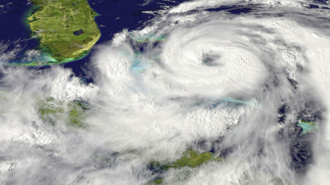 … man eine Atombombe im Auge eines Hurrikans zünden würde?