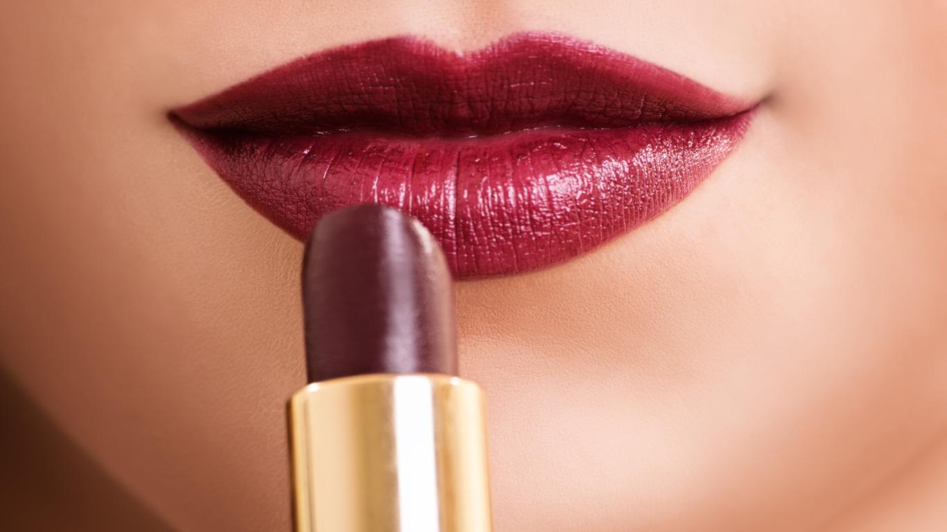 Kann ein Lippenstift eine Verbrecherin überführen?