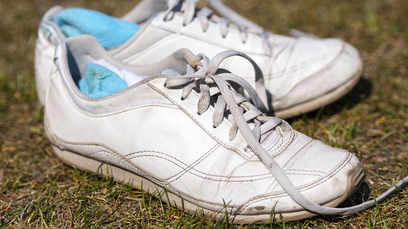 Kann ein Tennisschuh Forensiker auf die falsche Fährte führen?