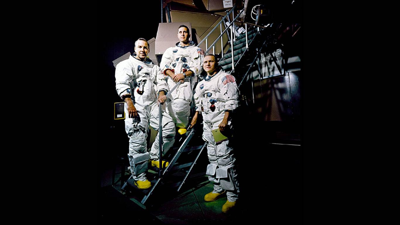 24.-25. Dezember 1968: Apollo 8 umkreist den Mond