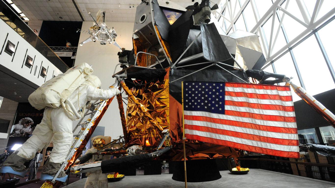 Hatte der Bordcomputer der Mondmission wirklich weniger Rechenleistung als ein Taschenrechner?