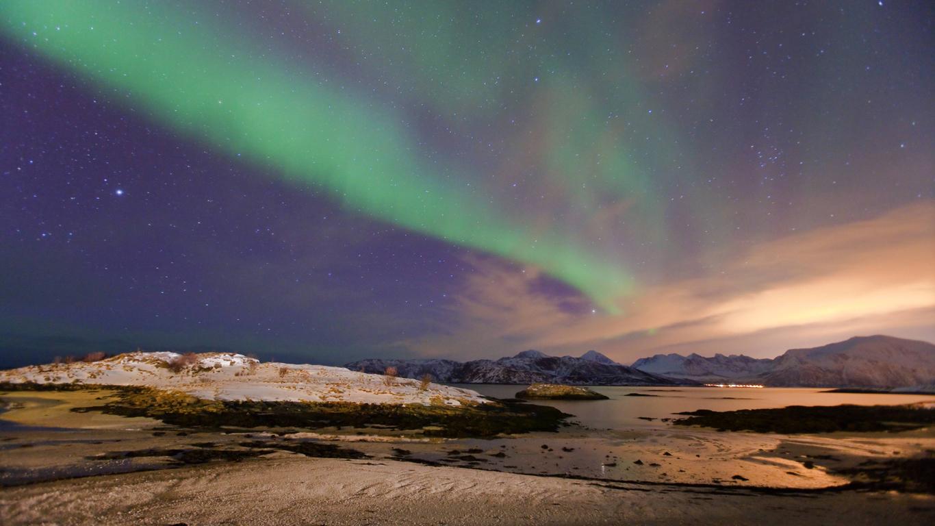 Lichtverschmutzung über Tromsö in Norwegen