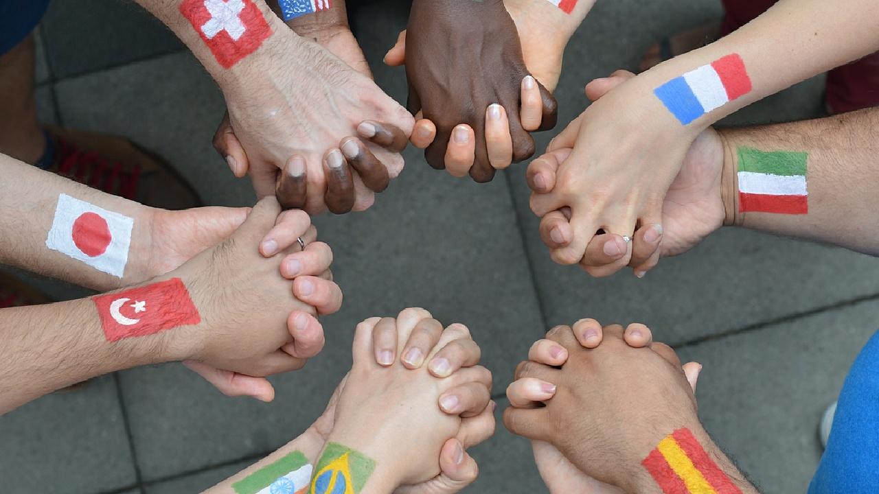 Weltweit gibt es über 200 verschiedene Gebärdensprachen