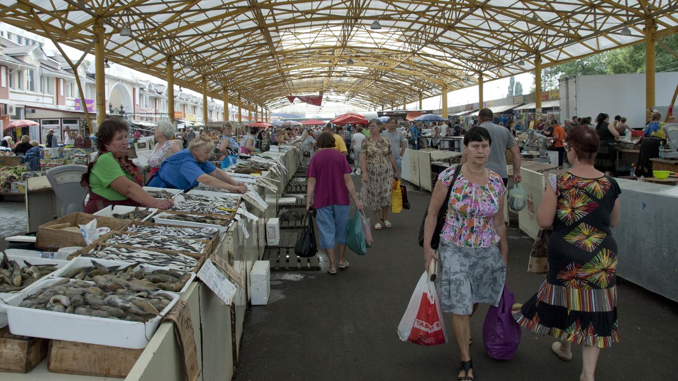 Nicht touristisch aber vielleicht umso spannender – gigantischer Open Air-Markt nahe Odessa
