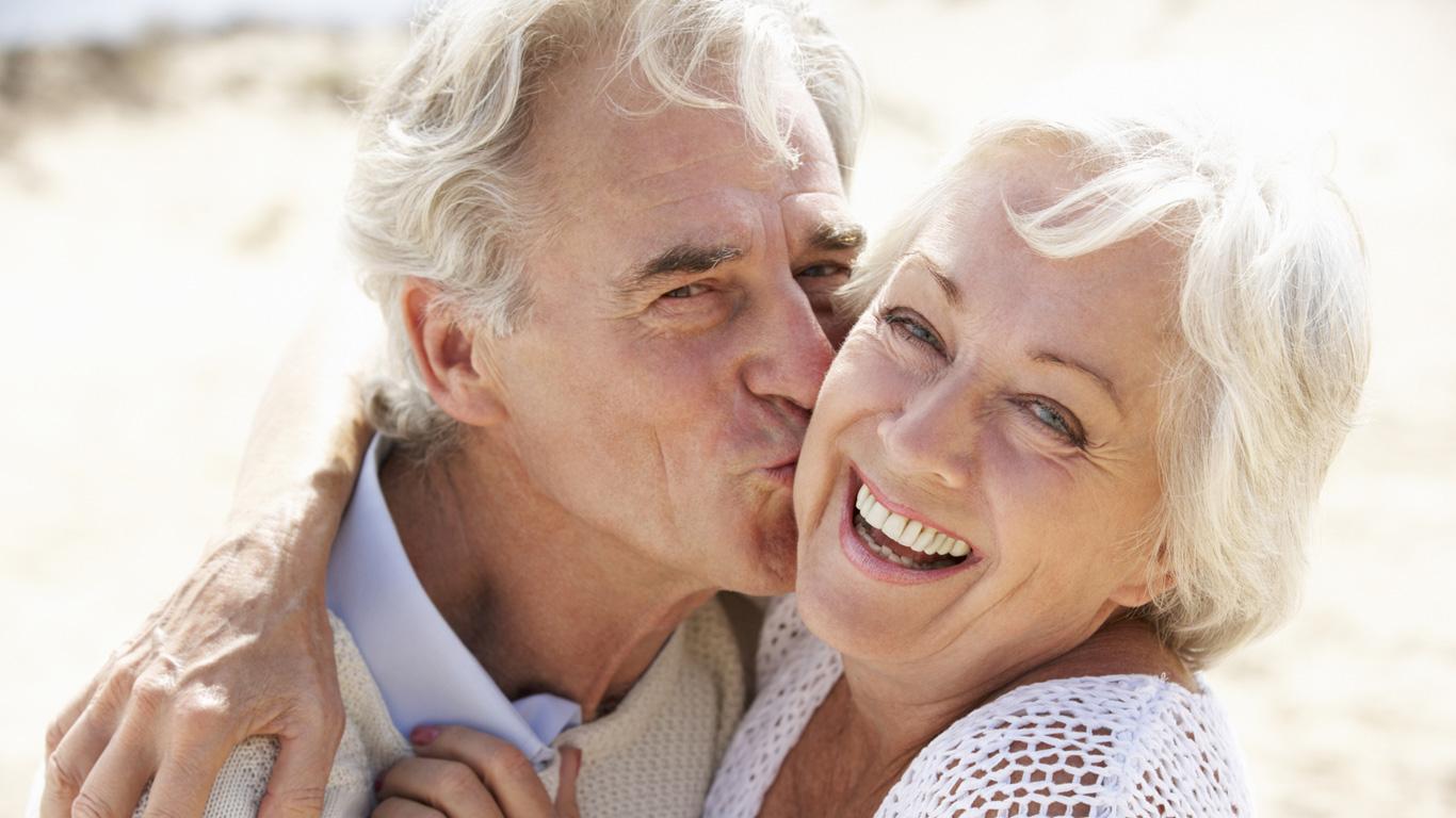 Hübsche frauen, die ältere männer suchen