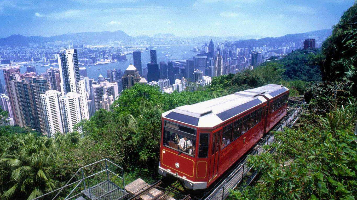 Auf einem Drahtseil in die Höhe: Peak Tram