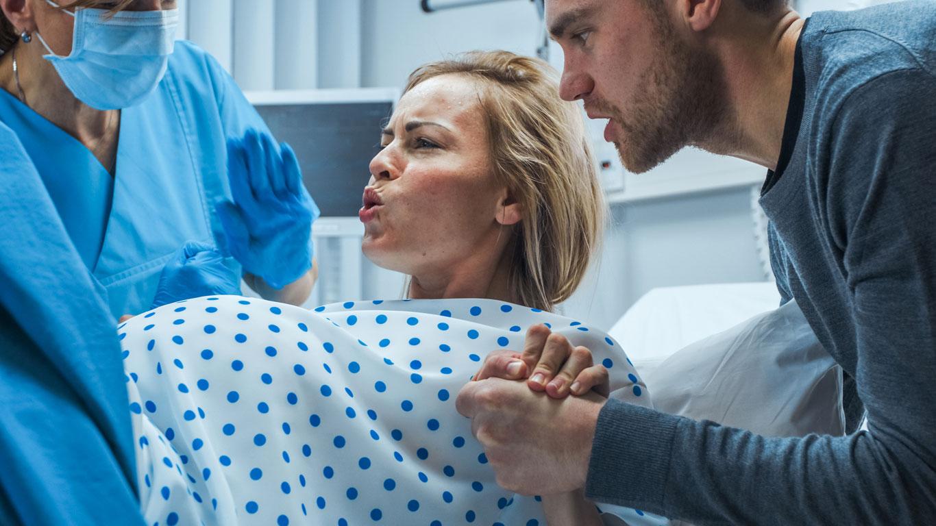 Entbindungen und Operationen