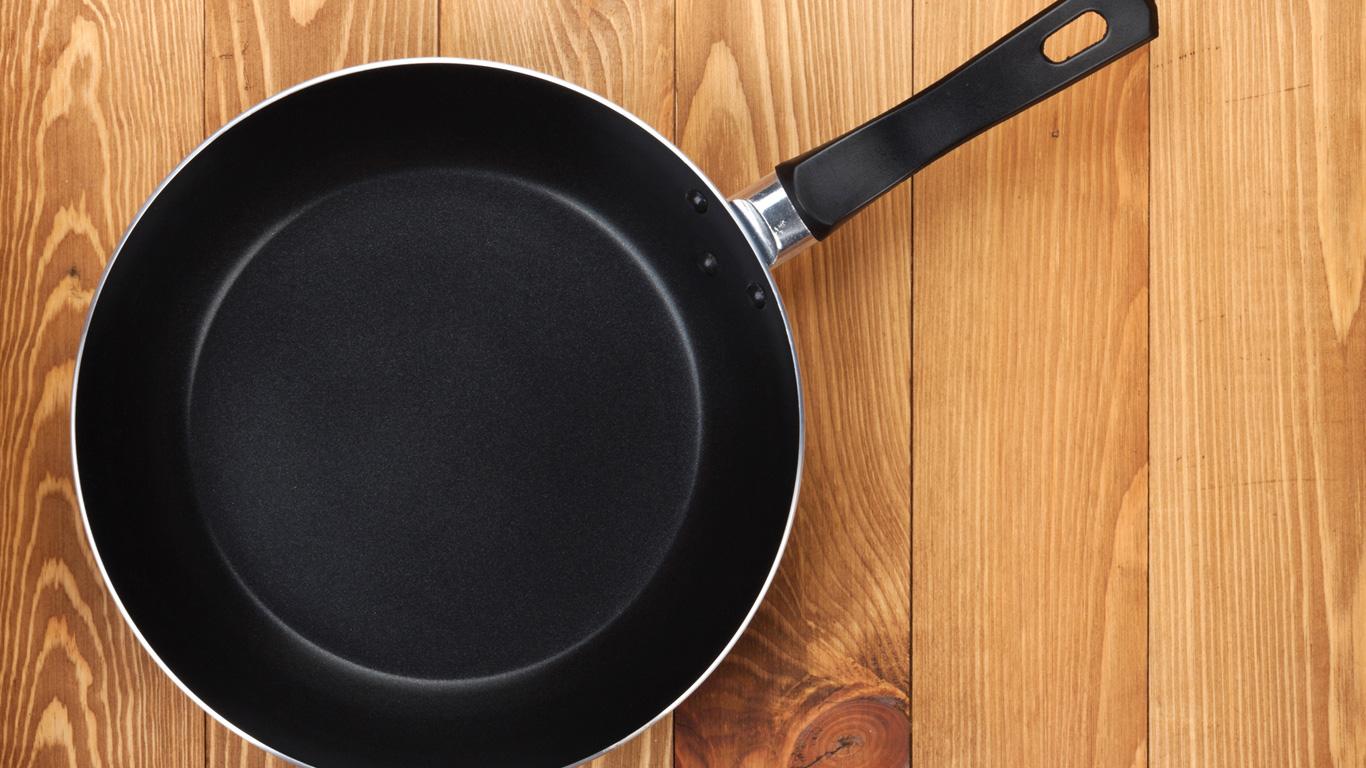 Wie gelangt Aluminium von einem Topf in unsere Lebensmittel?