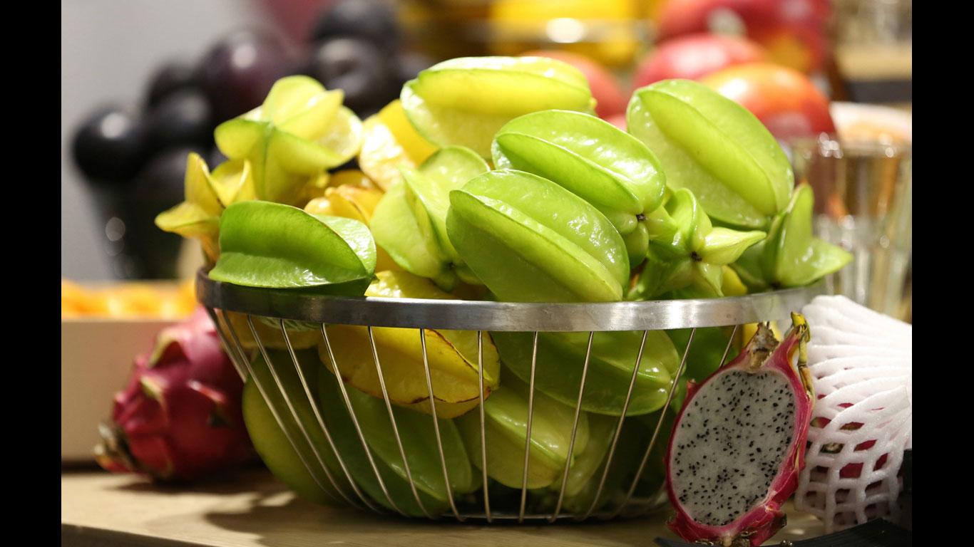 Sternfrucht, Ananas, Grapefruit, Pfirsich, Johannisbeeren (schwarz, rot und weiß), Papaya, Pflaume, Trauben