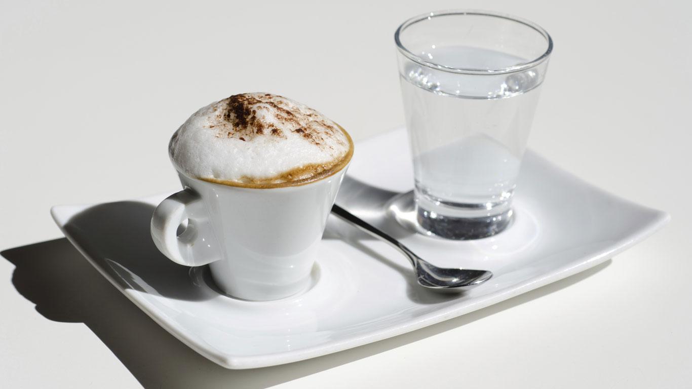 Kaffee entzieht dem Körper Wasser