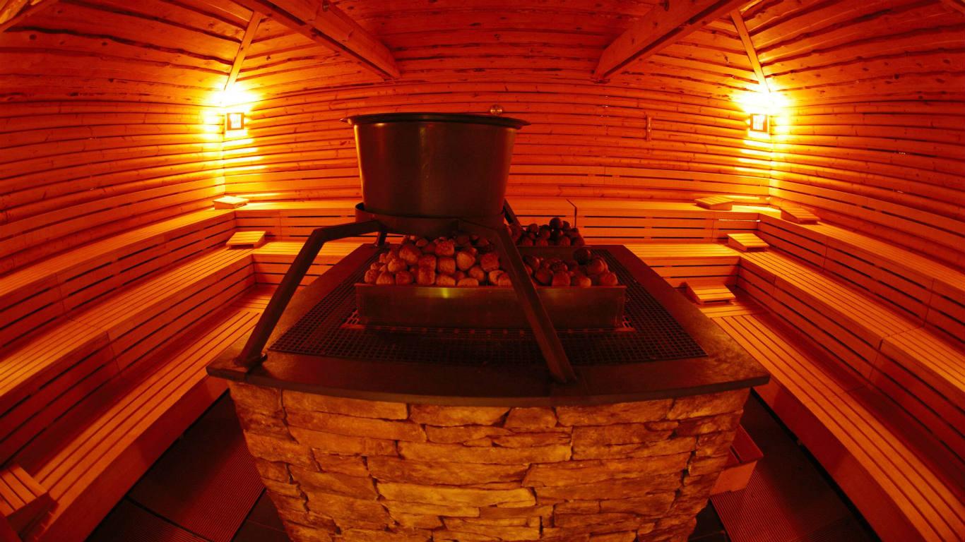 wellness wunder sauna schwitzen gegen stress und schmerzen welt der wunder tv. Black Bedroom Furniture Sets. Home Design Ideas