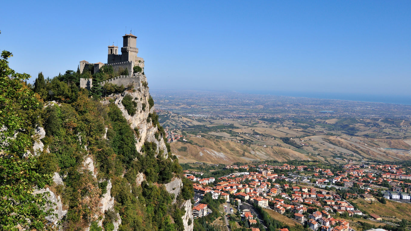 Zollfreie Zone mitten in Italien: San Marino