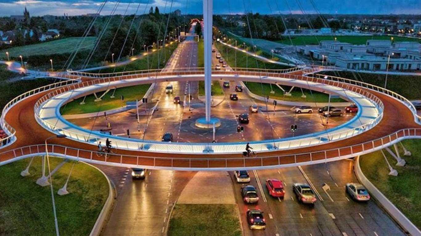 Schwebender Fahrrad-Kreisverkehr: Eindhoven