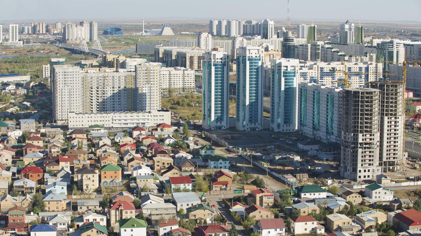 Retortenstadt in der kasachischen Steppe
