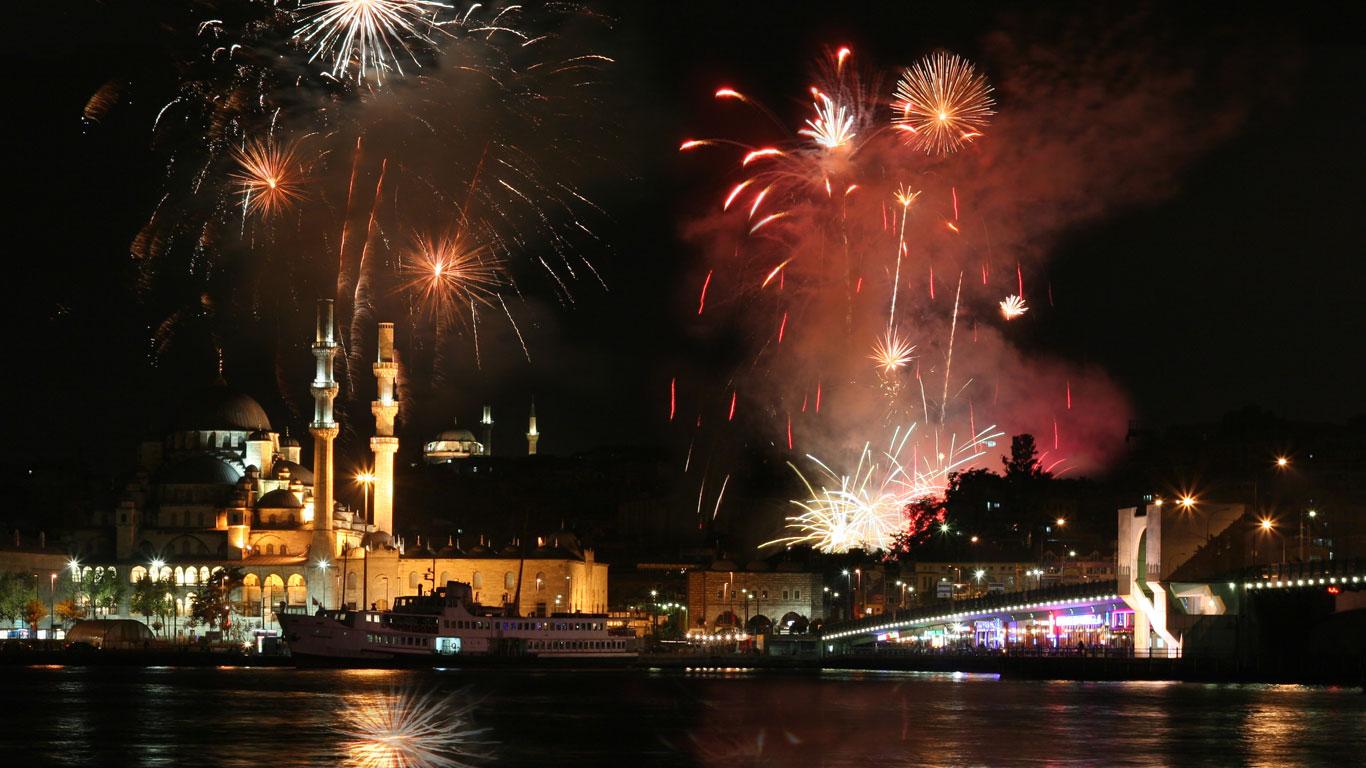Istanbul: Feiern zwischen den Kontinenten