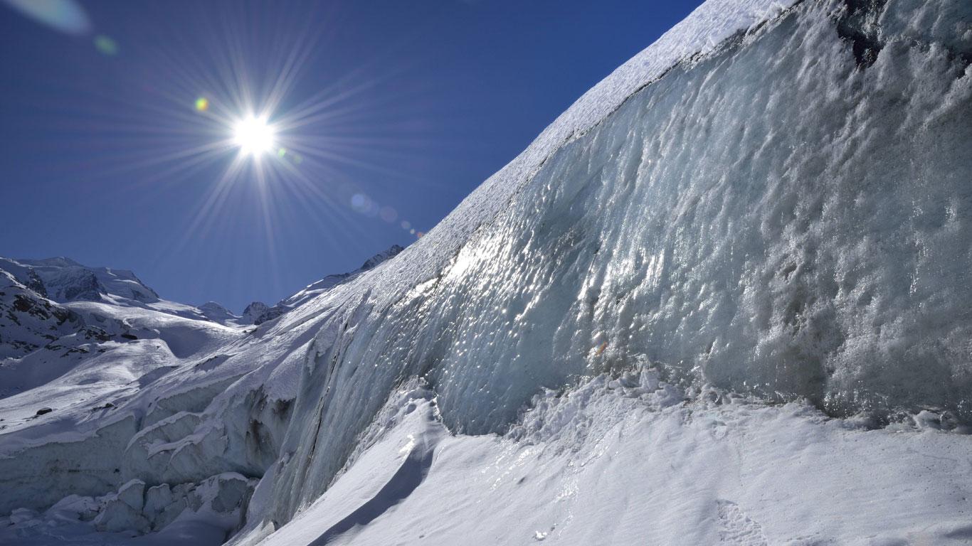 Dreiteiliges Gletscherhöhlensystem dominiert die Schweiz