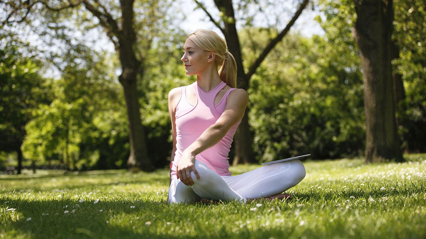 München: Yoga im Englischen Garten