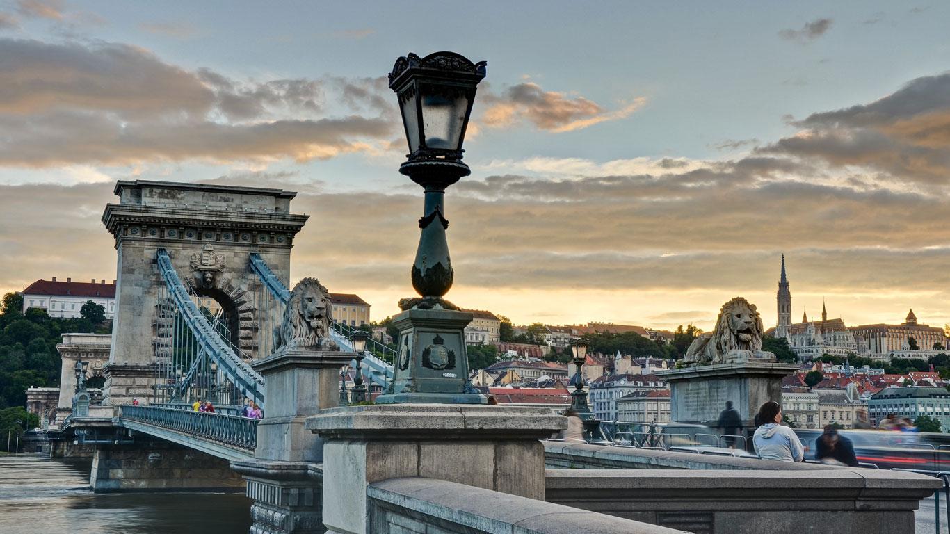 Für Entspannung in weltberühmten Bädern – Budapest