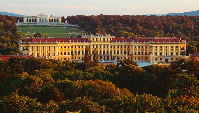 Durch die Donaustadt – Wien
