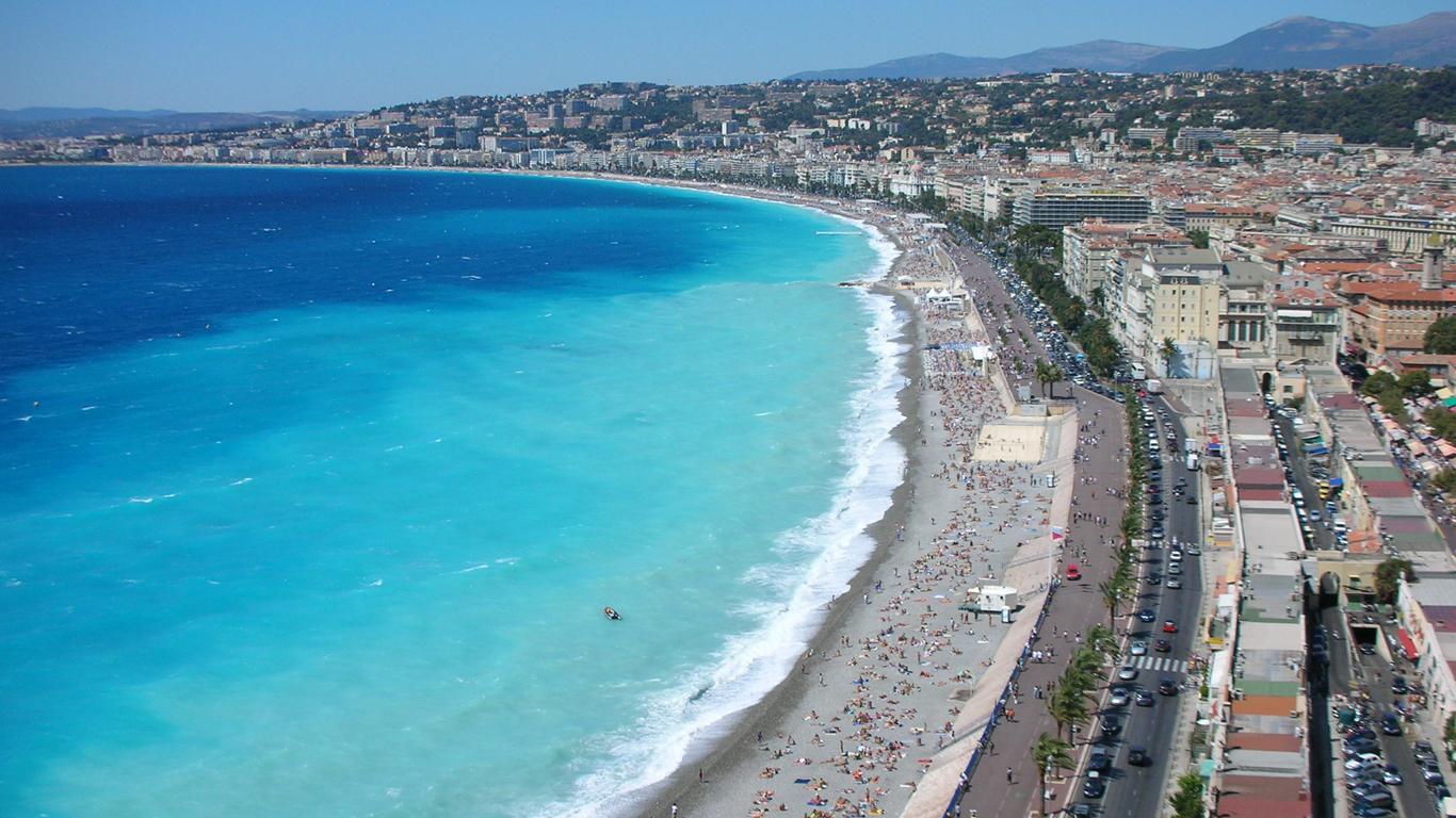 Nizza – Azurblauer Stadtstrand