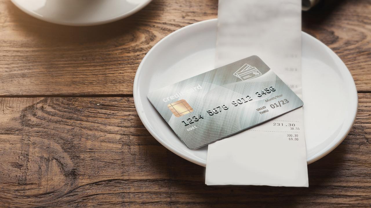 Wir essen wöchentlich eine Kreditkarte Mikroplastik