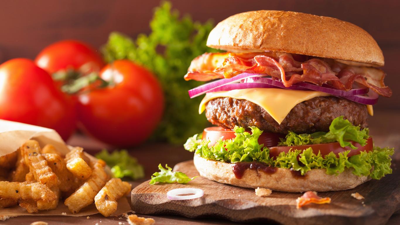 1 Hamburger – 2.400 Liter Wasser
